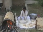"""Clip Eva - Nghệ thuật làm bánh  """" có một không hai """"  ở Ấn Độ"""