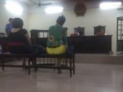 Tin tức - Phạt tù hai phụ nữ say rượu, cắn công an phường