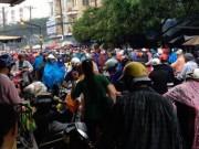 Tin tức - Sài Gòn mưa mù trời, giao thông hỗn loạn ngày đầu tuần