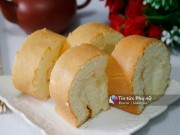 Bánh bông lan cuộn kem tươi thơm ngon