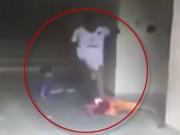 Clip Eva - Người đàn ông đánh đập dã man cậu bé 7 tuổi vì bắt nạt con trai mình