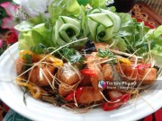 Bếp Eva - Đâu chỉ làm sushi, cá hồi chiên sả cũng rất ngon