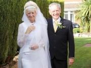 Eva tám - Sau 50 năm ngày cưới, cặp vợ chồng 70 tuổi rạng rỡ hạnh phúc trong bộ đồ cưới cũ