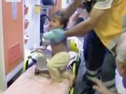 Tin tức - Mẹ mải nấu cơm, con trai 1 tuổi suýt nát tay vì đút tay vào máy xay thịt