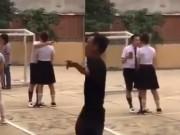 Clip Eva - Video: Trấn Thành Hari Won hôn nhau bất chấp mọi thứ xung quanh tại phim trường