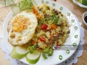 Bếp Eva - Cơm rang thập cẩm ngon miệng cho bữa sáng