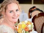 Eva tám - Cô dâu tự cưới chính mình vì tin mình có một phần nam tính