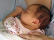 """Nghi đau bụng vì bị sỏi thận, bà mẹ """"sốc nặng"""" khi bất ngờ đẻ con"""