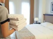 Ở khách sạn, cẩn thận dùng khăn tắm bẩn, ở phòng có người chết