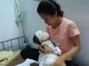 Tin tức - Mẹ sơ sẩy, con trai 11 tháng tuổi bị cả ấm nước siêu tốc đổ từ đầu xuống chân