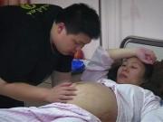 Bà bầu - Chấp nhận nằm dốc ngược suốt 3 tháng, mẹ bầu nhận về cái kết 'ngọt lịm'