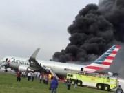 Máy bay chở hơn 170 người bốc cháy, hành khách hoảng loạn nghĩ mình sẽ chết