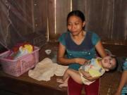 Tin tức - Gia đình có 3 con bại não không được hộ nghèo vì… quá nghèo