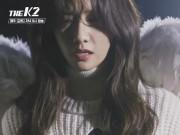 Xem & Đọc - Yoona thất thần, suýt ngã nhào trên sàn catwalk