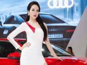 Người mẫu - Phạm Ngọc Quý cực sexy bên xế hộp