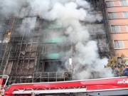 Tin tức - Hà  Nội: Cháy lớn quán karaoke, còn nhiều người mất tích chưa liên lạc được