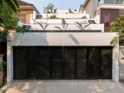 Nhà đẹp - Xây vườn bậc thang trên mái, ngôi nhà Hà Tĩnh nổi bật trên tạp chí ngoại