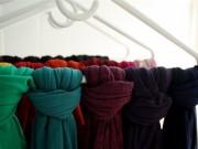 Nhà đẹp - 14 mẹo sắp xếp tủ quần áo tuyệt đỉnh cực dễ tìm và dễ lấy