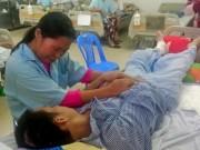 Tin tức - Xót thương cảnh người mẹ chăm 3 con nhỏ bệnh nặng và chồng nằm liệt giường