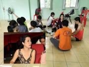 Hết lộng lẫy sang chảnh, Trịnh Kim Chi giản dị ăn cơm bình dân trong phòng tập
