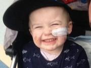 Ngất lịm trước nụ cười của cậu bé bị cụt tay, cụt chân vì viêm màng não