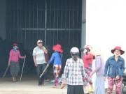 Tin tức - Cơ sở bột liệm tử thi bốc mùi hôi thối, dân bao vây phản ứng