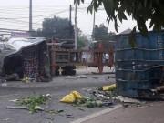 Tin tức - Hà Nội: Thùng xe container văng xuống đường, 2 người tử nạn