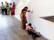 Tin tức - Sự thật phẫn nộ sau cảnh vợ phải kéo lê chồng bị liệt giữa bệnh viện
