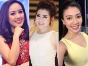 Làng sao - Hành động vô tư gây chú ý của các nữ MC xinh đẹp trên sóng truyền hình