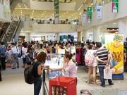 """Tin tức thị trường - Cơn sốt mua sắm thời trang, phụ kiện giảm giá """"khủng"""" tại TP. HCM mùa Black Friday"""