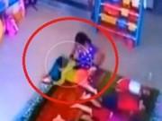 Clip Eva - Phẫn nộ clip bảo mẫu đánh đập, quăng quật bé 10 tháng tuổi như đồ chơi
