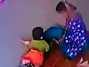 Tin tức - Không chịu ngủ trưa, bé gái 9 tháng tuổi bị cô giáo đá, tát chấn thương sọ não