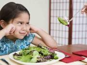Con hết biếng ăn nhờ mẹ dùng những mẹo cực đơn giản