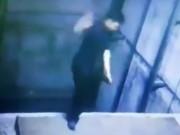 Sảy chân ngã xuống thang máy không có cabin, công nhân tử vong