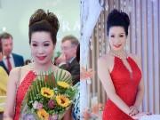 """""""Gái 2 con"""" Trịnh Kim Chi lộng lẫy khoe sắc tựa đóa hồng"""
