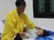 Tin tức - Xót lòng bé gái 3 tuổi suy dinh dưỡng có thể bị cắt cụt chân