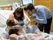 Bà bầu - Đây là người mẹ vô cùng mạnh mẽ: Vừa vật vã đau đẻ, vừa cho con bú