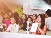 Làng sao - Văn Mai Hương và Bảo Trâm Idol cùng làm giám khảo chấm thi tài năng