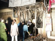 Tin tức - Tin nóng: Cháy nhà trong hẻm ở Sài Gòn, 2 vợ chồng và 3 con gái chết thảm