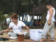 Tin tức giải trí - Bộ đôi Huyền Thoại Khánh Đơn - Khánh Trung trổ tài nấu ăn cho con