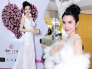 """Tin tức giải trí - Á khôi Huỳnh Vy đẹp tựa nàng thơ trong BST """"Thiên nga trắng"""""""