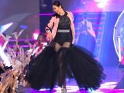 """Thời trang - Những xu hướng thời trang """"làm mưa làm gió"""" trên sàn diễn Steps Of Glory"""