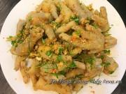 Bếp Eva - Chân gà trộn thính giòn ngon, thơm nức cho chồng lai rai