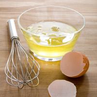 Mẹo chữa bỏng bằng lòng trắng trứng