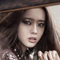 Hot girl 9X Go Ah Ra 'lột xác