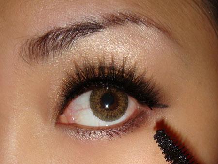 Trang điểm mắt khói với màu nâu vàng - 10