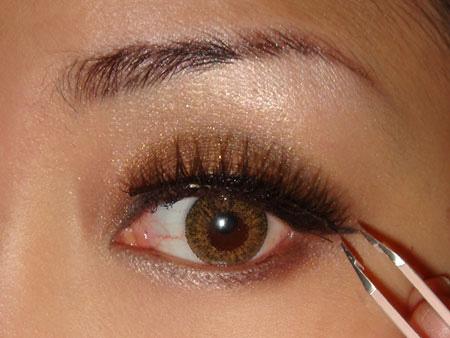 Trang điểm mắt khói với màu nâu vàng - 9