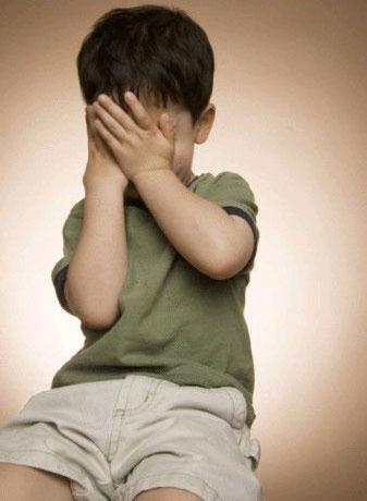Biểu hiện bệnh tự kỷ ở trẻ em - 1