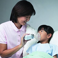 Chăm sóc khi con bị viêm họng cấp