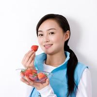 Làm trắng da bằng rau quả